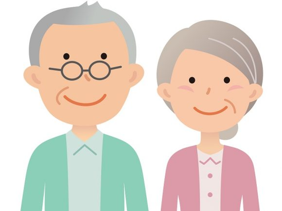 お年寄りが二人で寄り添っている画像